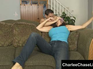 Charlee chase 界 tickled 和 脚 性交!