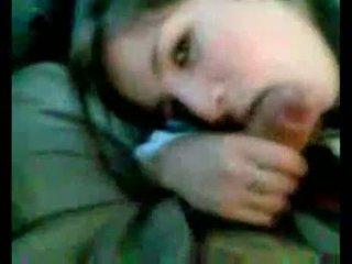 Аржентински момиче, смучене в кола