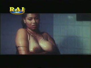 Mallu erotiska scener sammanställning [courtesy:http://spicymasalavideos.blogspot.com]