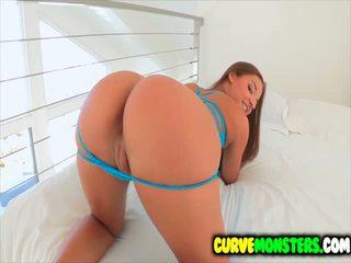 Amirah Adara gets her butt worshipped