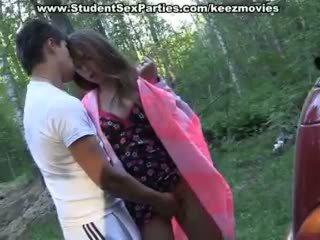 Teismeliseiga seks sisse the auto edasi a picnic