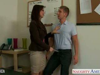 Сексуальна вчитель syren de mer смоктати і ебать a великий пеніс