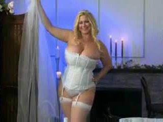المرأة الجميلة كبيرة 38g زفاف ليل