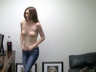 Alicia takes ji kalhotky pryč. ona needs peníze