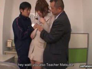 Dospívající kohout loving yuuno hoshi je tápal podle two teachers