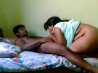 Intialainen läkkäämpi pari seksi www.playindiansex.com
