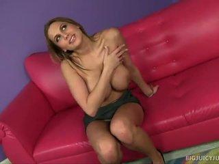 Alanah rae s גדול פטמות jiggle במהלך סקס