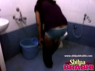 印度人 家庭主妇 shilpa bhabhi 热 淋浴 - shilpabhabhi.com
