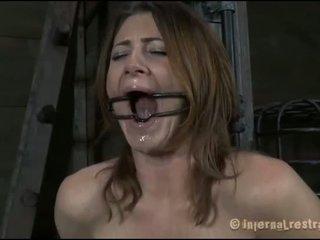 Lusty spanskrør til tough kvinne