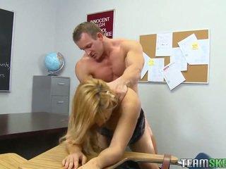 교실 포르노