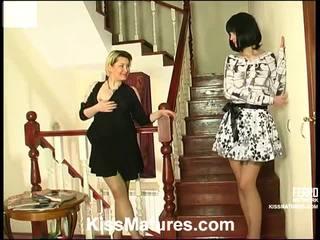 Felicia dan ninon pussyloving ibu onto vid