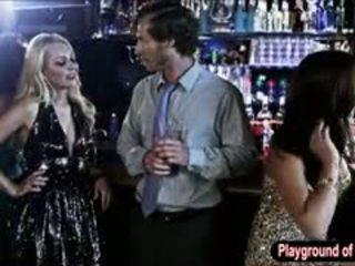 Sexy blonda gagica aaliyah dragoste futand o nerd în the club