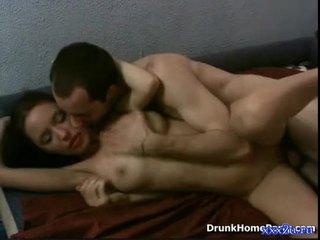 Full jente knulling med noen guy