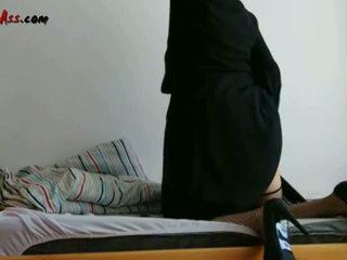 Niqab Anal Solo On Sofa