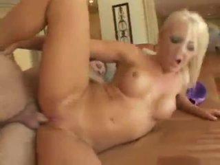 Lacey maguire blonda brit