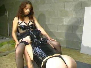 Une maitresse et sūnus soumis, nemokamai valdovė porno video 8c