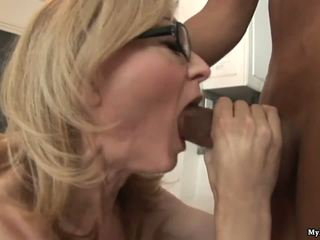 Nina hartley gets কঠিন handled দ্বারা two কামাসক্ত কালো sytuds