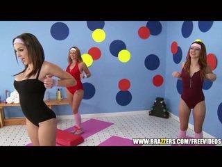 Aerobics instructor loves 大 迪克