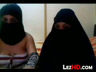 Amatoriale arab lesbiche
