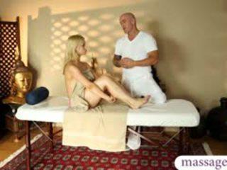 Superb bionda pupa had un bello massaggio e un caldi sborra su fica
