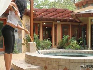 Aaliyah ความรัก ระยำ โดย lotus lain s strap บน