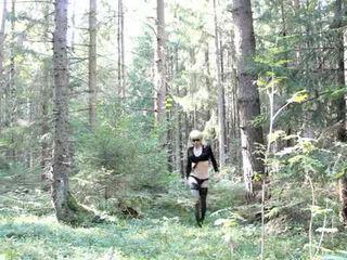 Lola spais crossdresser sisään the metsä
