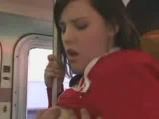 Sexy student entered në i gabuar autobuz video