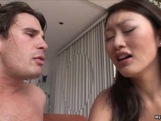 Evelyn lin es un muy cachonda asiática quien fucks un dude