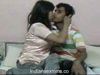 इंडियन lovers हार्डकोर सेक्स scandal में डॉर्म कक्ष leaked