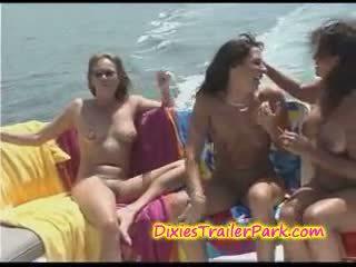 Kietas svingeris vakarėlis į the jachta