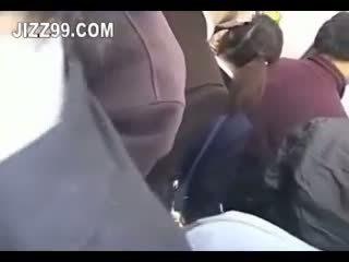 Японки ученичка крем пай прецака в влак 02