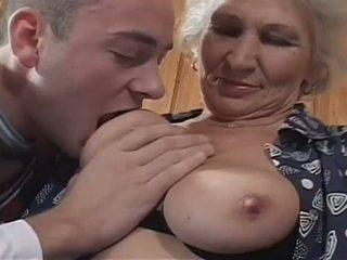 babička, veľká prírodná prsia, pančuchy