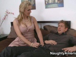 Lata yo ¡ayuda usted chico?