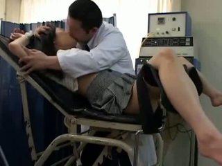 Istudyante misused by gynecologist 2