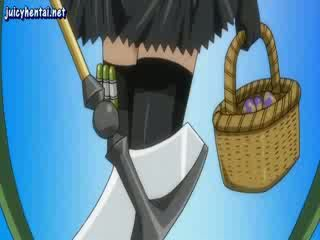 Mažutė anime seselė su ilgos kojinės