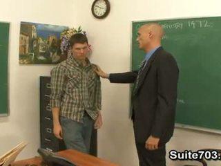 Gejské učiteľka troy jebanie študent william ťažký