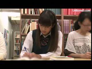 女子生徒 掘削 バイ 図書館 geek 01