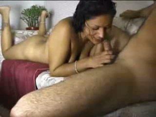 Indický amatér gal cocksucking shaft