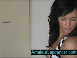 性感 捷克語 褐髮女郎 lapdances 為 角質 guy