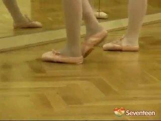 আইনগত বয়স teenagerage ballet মেয়েরা