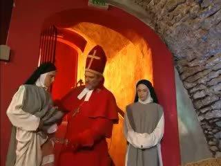 Priest teaches nuns kuidas kuni fuck koos mänguasi video
