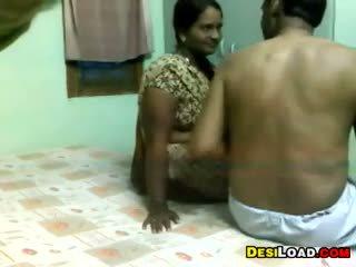 ইন্ডিয়ান aunty এবং an পুরাতন guy