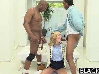 Blacked 2 grand noir dicks pour riche blanc fille