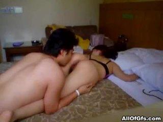 الآسيوية الهاوي كتكوت gets أشعر كس مارس الجنس