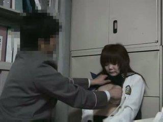 女孩 抓 faredodging molested
