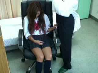Spycam 女學生 misused 由 醫生 3