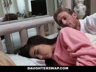 Daughterswap - daughters zajebal med sleepover