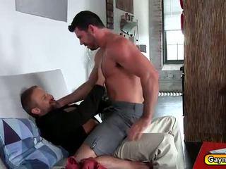 Papà orso anale scopata con un bearded hunk