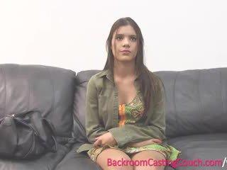 Adolescente insemination en casting sillón