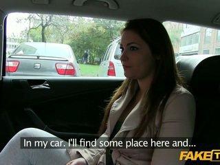 बड़ा बूब्स आमेचर ट्रिक्ड द्वारा एक taxi